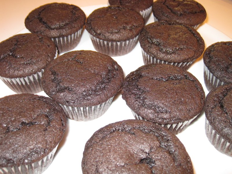 how to bake chocolate cupcakes