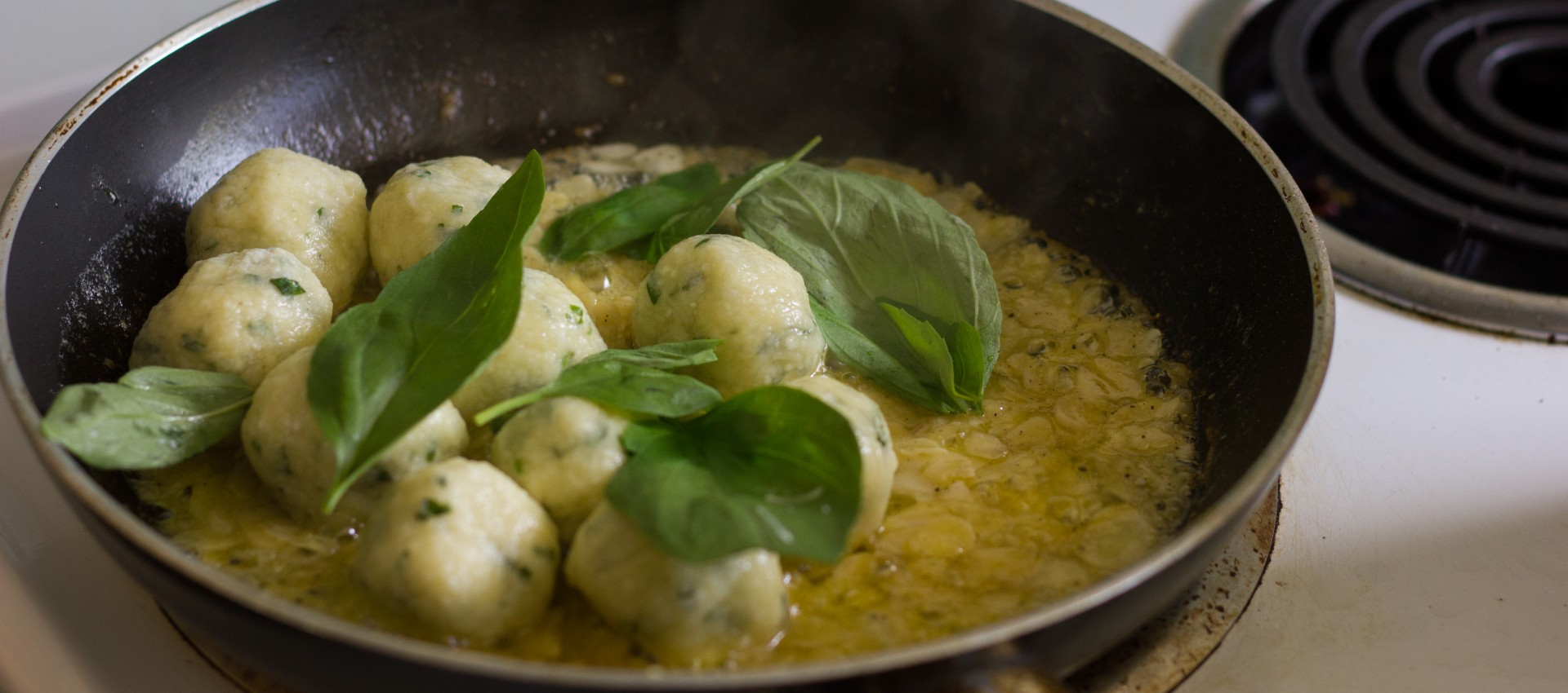 basil-gnudi-with-lemon-butter-almond-sauce-11-of-17